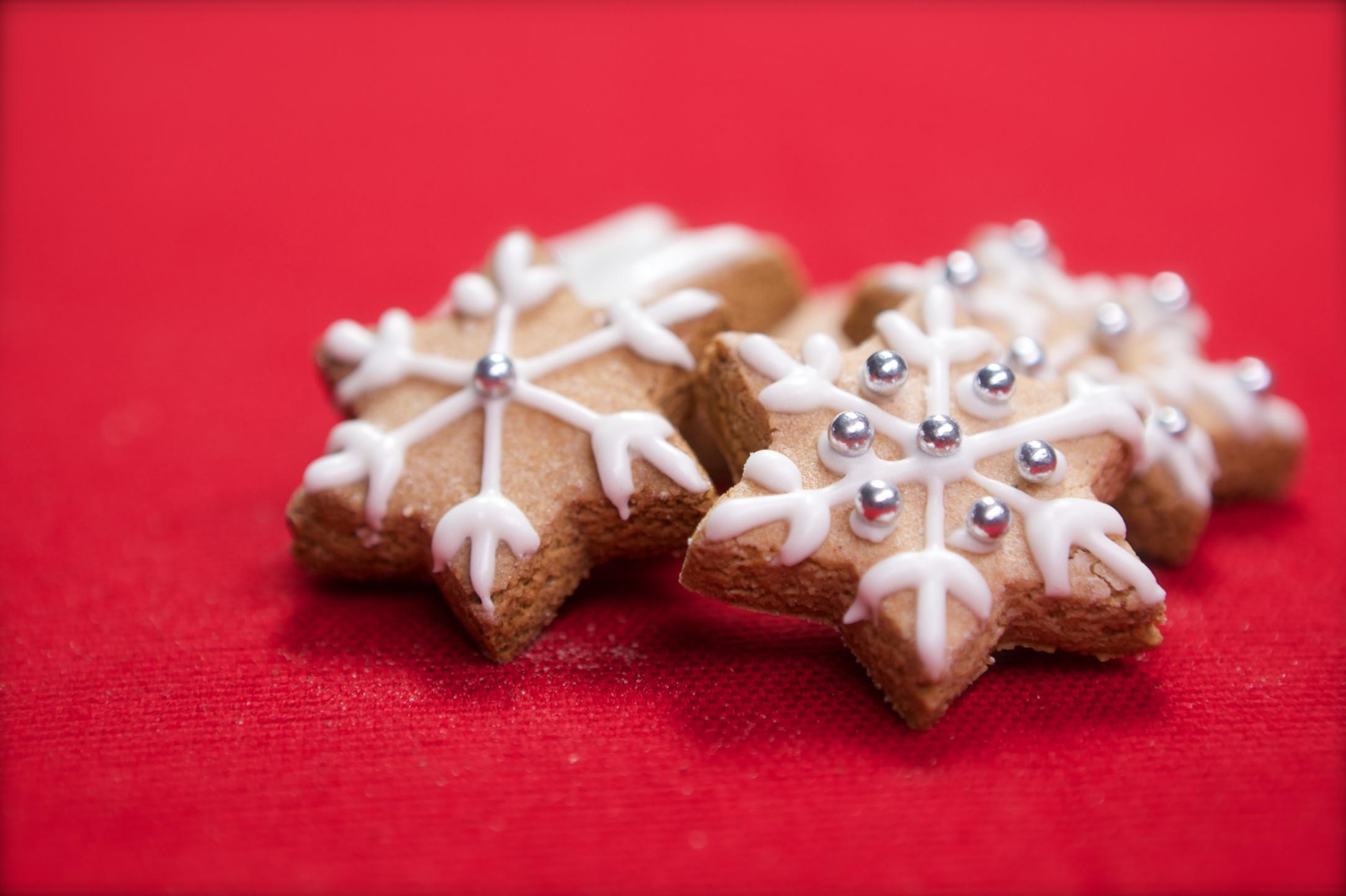Biscotti Di Natale Zimtsterne.Biscotti Di Natale Zimtsterne Stelline Alla Cannella Deabyday