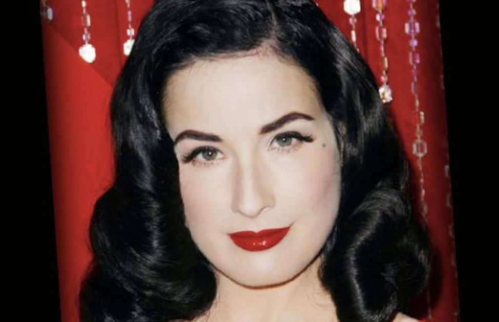 Come ricreare un look alla Dita von Teese