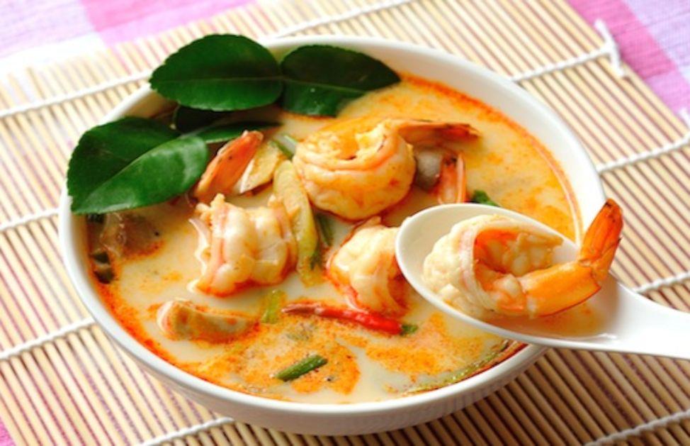 Ricetta Zuppa Thai Con Gamberi.Come Si Fa La Zuppa Thai Ai Gamberi Deabyday