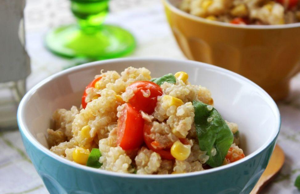 Ricetta Quinoa Con Tonno E Verdure.Insalata Di Quinoa E Tonno La Ricetta Deabyday