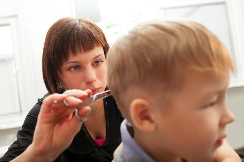Come tagliare i capelli ai bambini   DeAbyDay