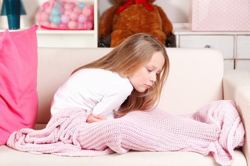 Mal di pancia nei bambini: le 5 cause più comuni - DeAbyDay